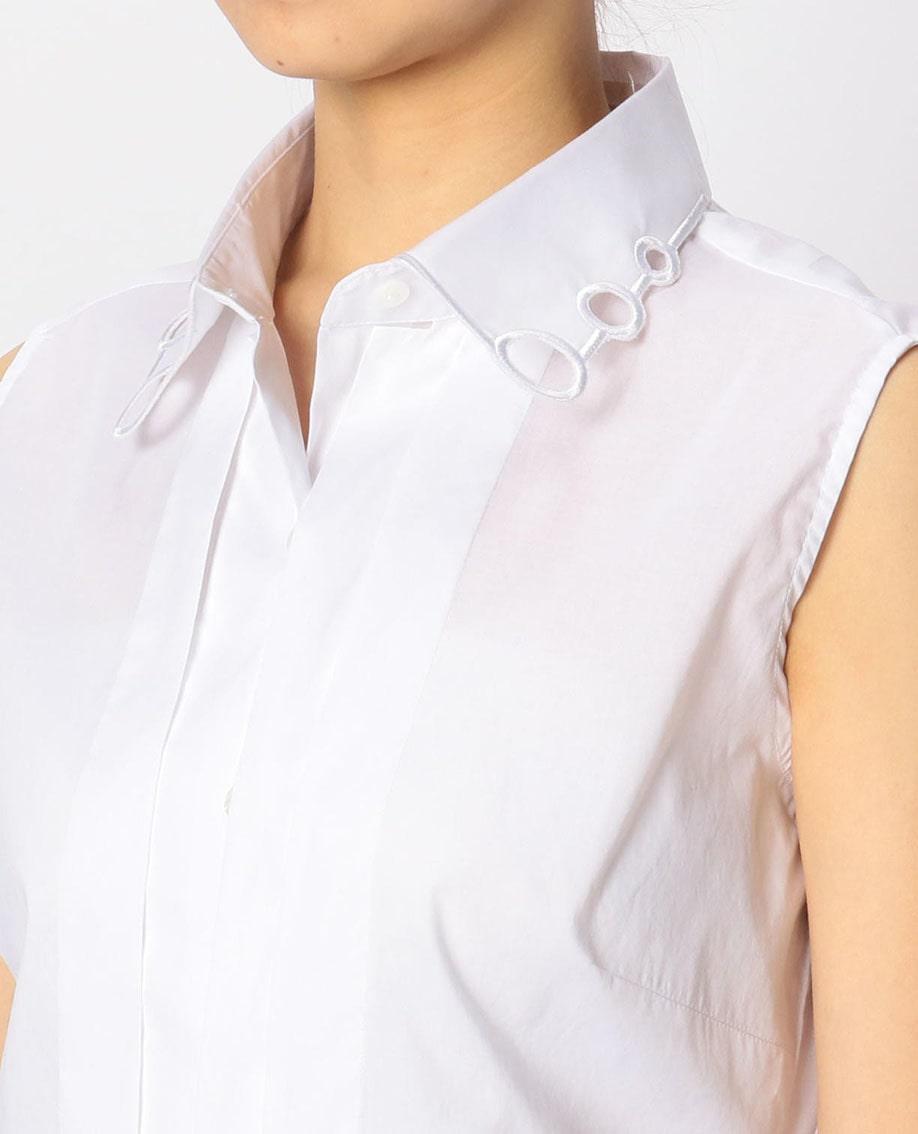 カットワーク衿ノースリーブシャツ