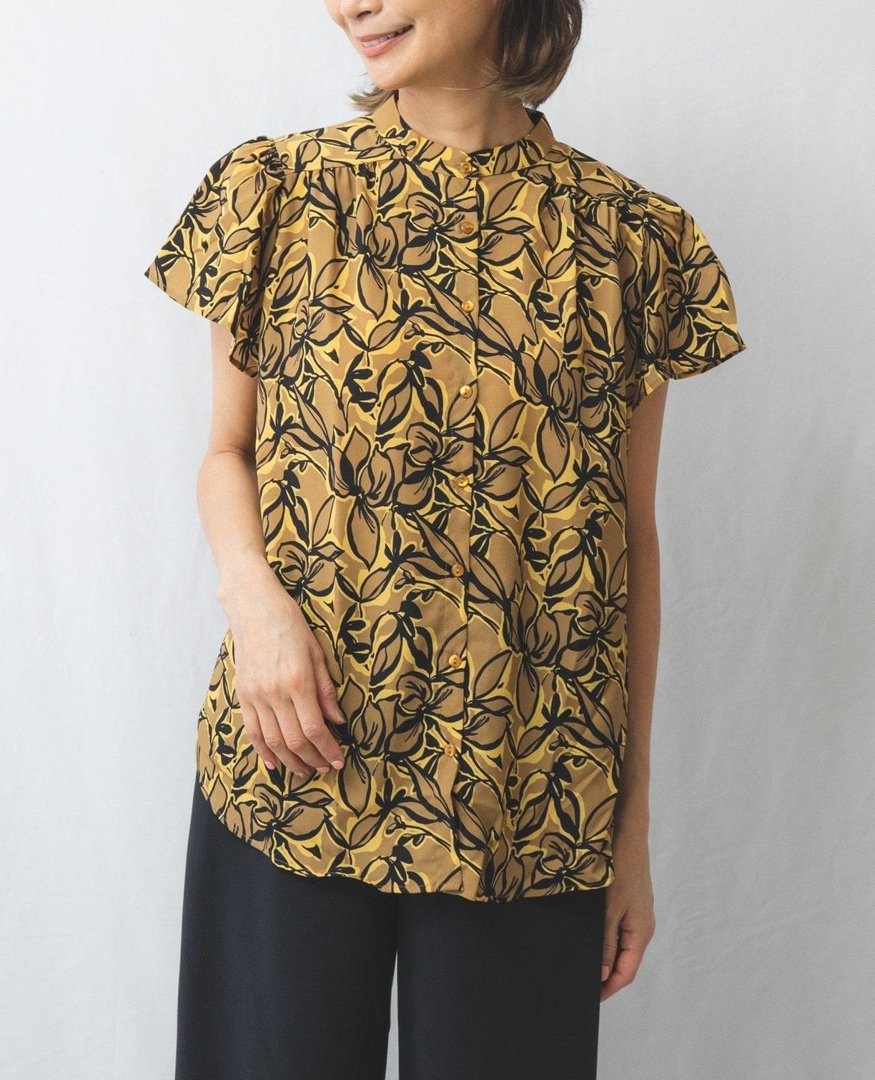 リーフプリントフレアースリーブシャツ