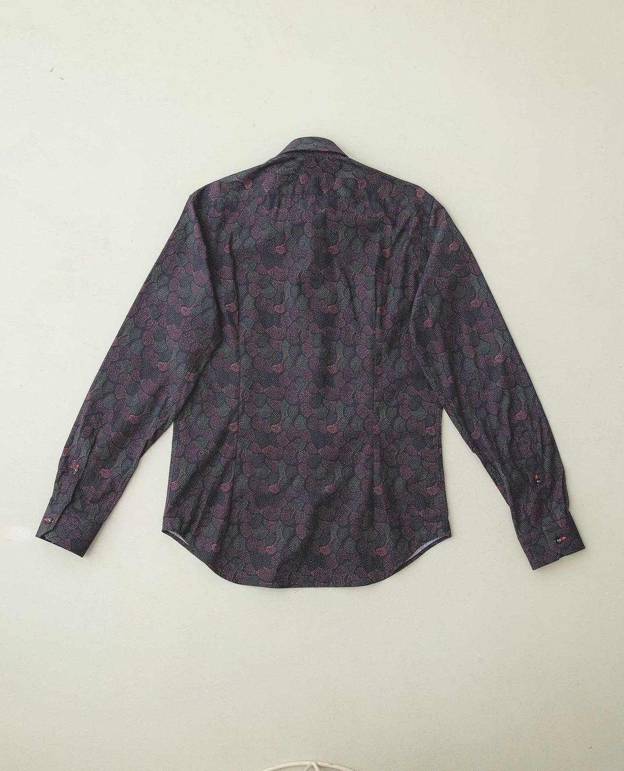 隠しボタンダウンプリント長袖シャツ