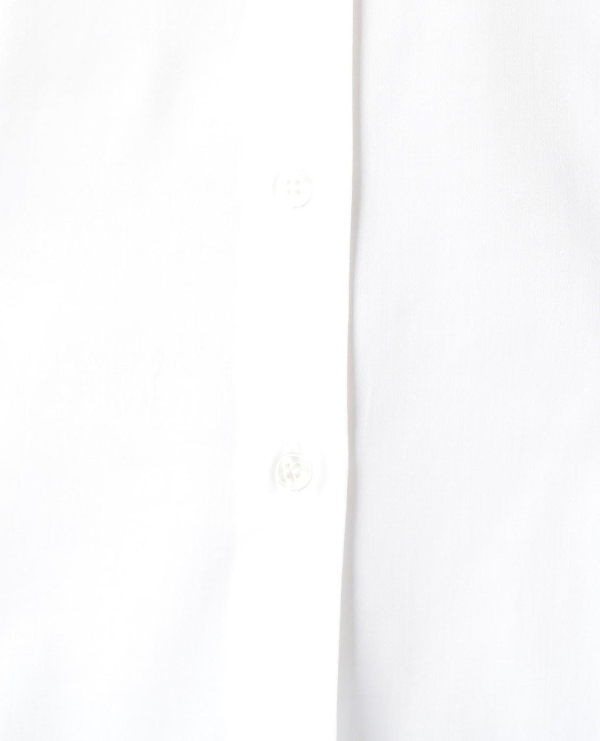 フリルディテール襟つき長袖シャツ