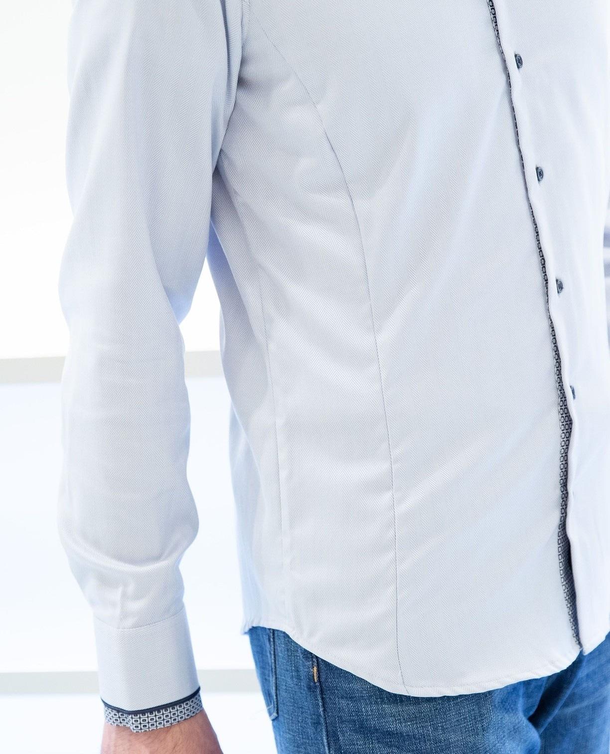 ドゥエボットーニ衿切替長袖シャツ
