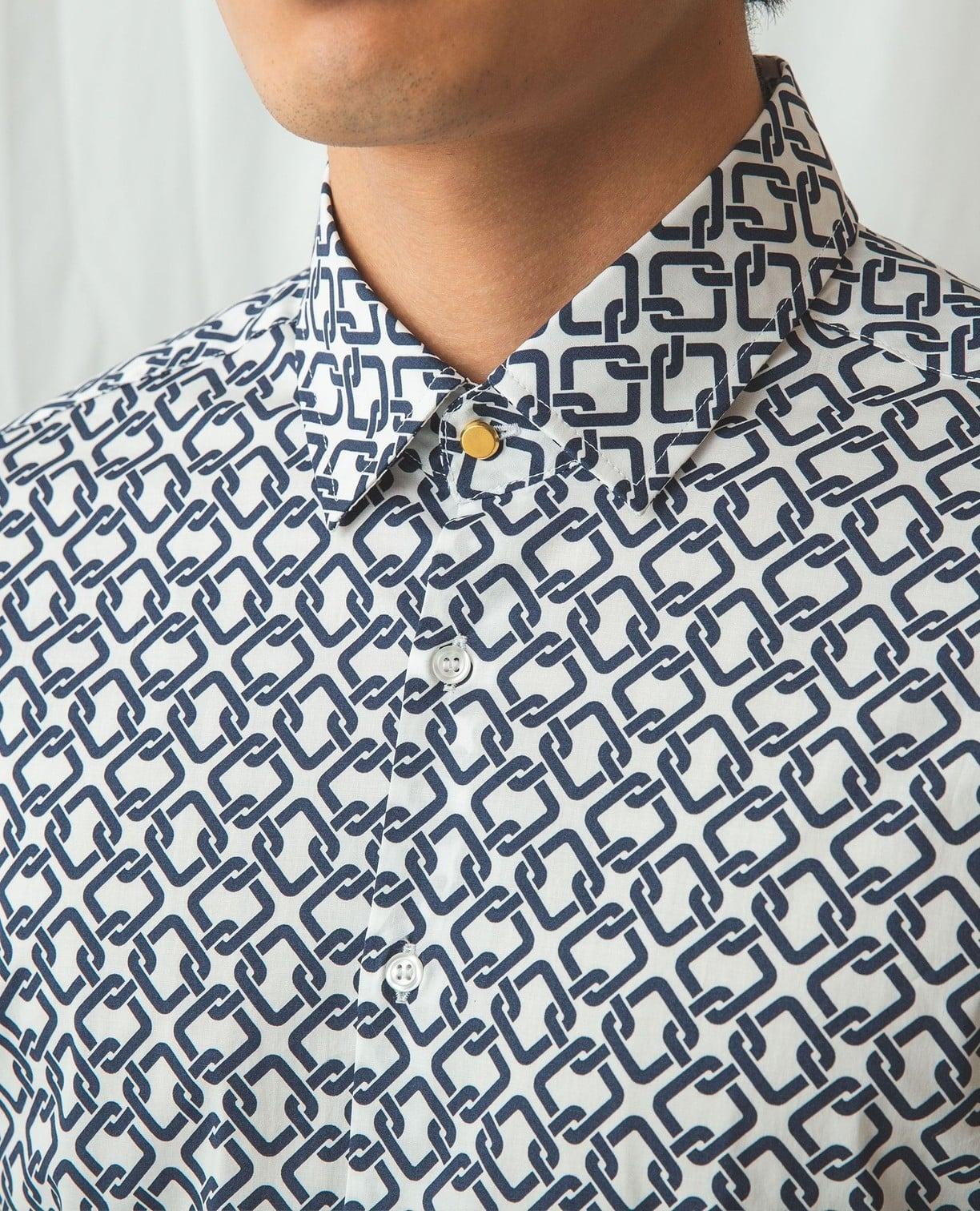 幾何柄長袖シャツ