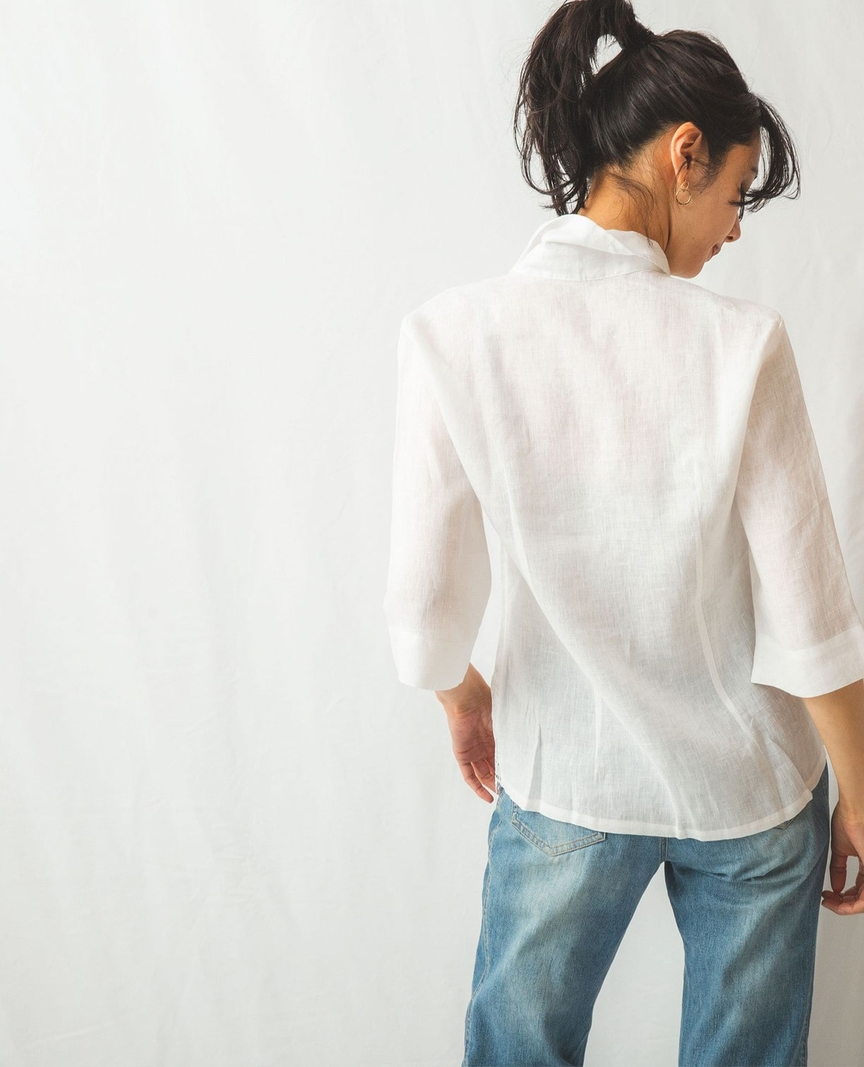 麻裾カットワークレースシャツ