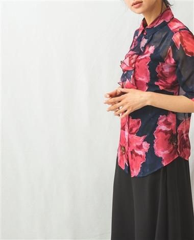 フラワー柄フロントフリル七分袖シャツ